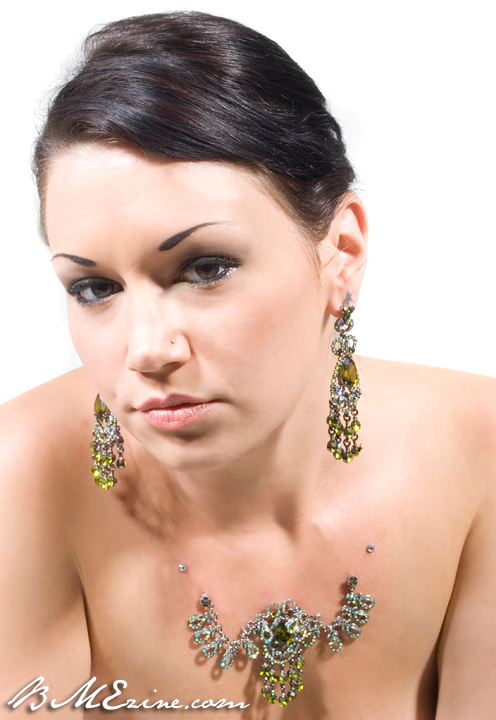 magnetic-dermal-necklaces-3