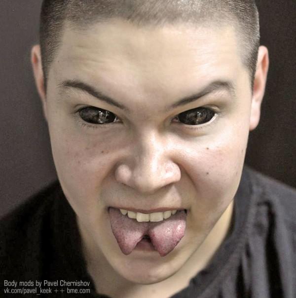 pavel-eyes-black